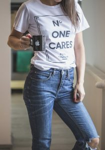 Koszulki z nadrukiem – komunikacja ze światem