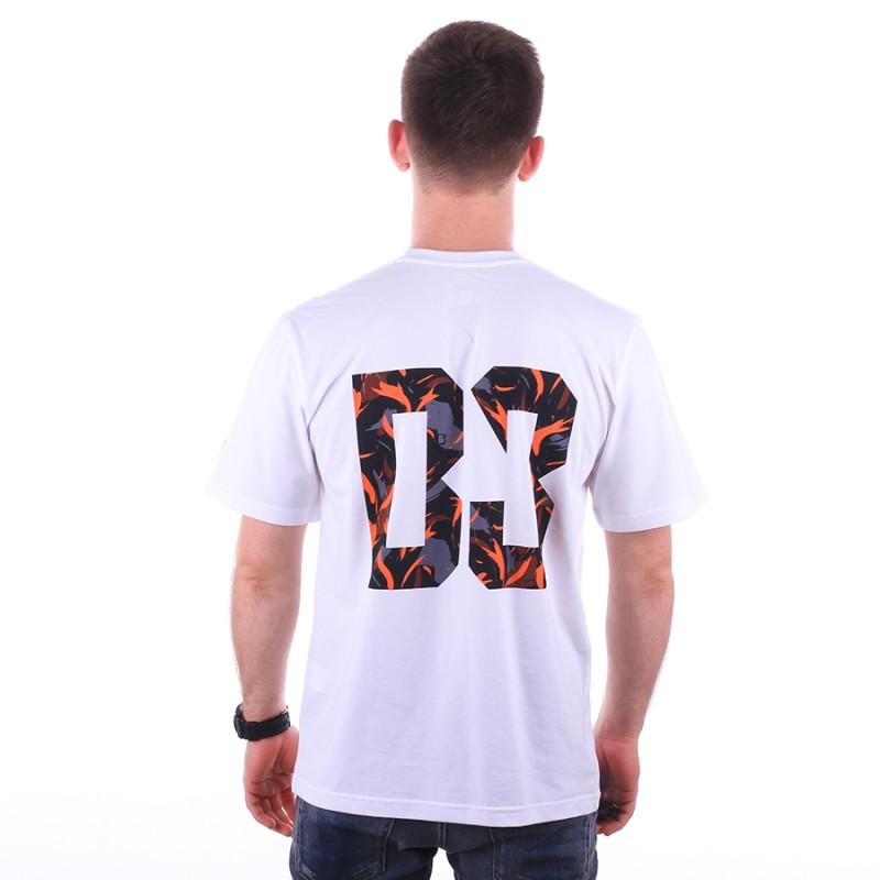 Z jakiego materiału t-shirt męski?
